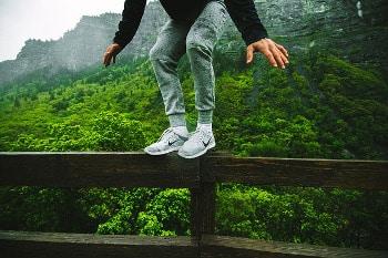 Äussere Einflüsse verstören das seelische Gleichgewicht. Dies auszubalancieren ist eine wichtige Fähigkeit - Hypnose Detmold Hameln Bielefeld Hannover Psychotherapie und systemisches Coaching - Nils Sturies - NLP Master Coach, Hypnosetherapeut und Kommunikationstrainer